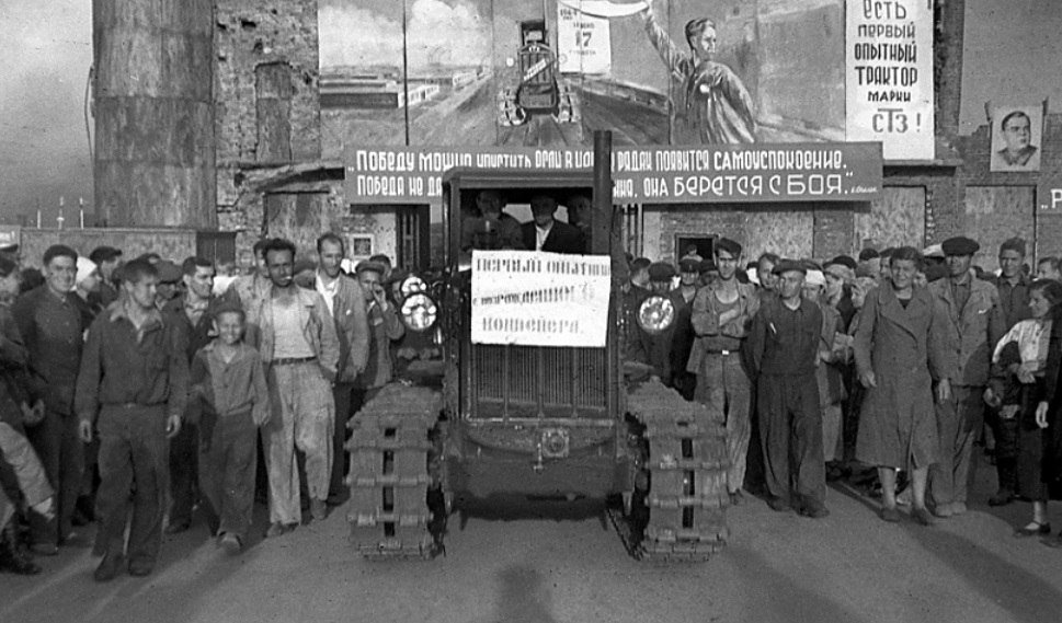 даже во время битвы с конвейера сталинградского завода на фронт шли